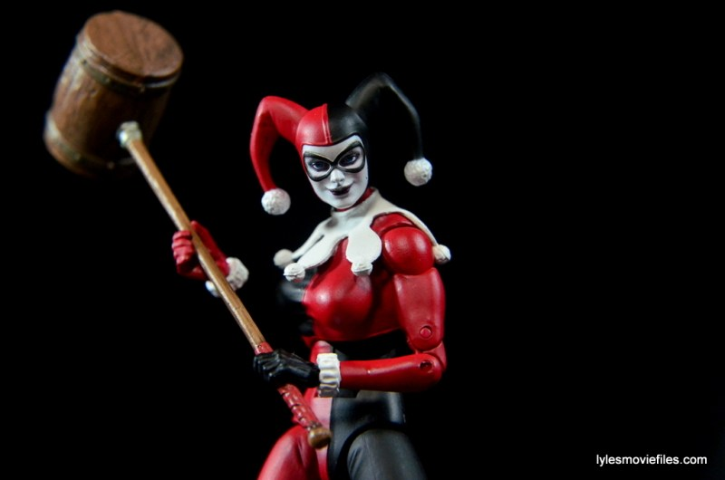 DC Icons Harley Quinn figure review -holding mallet