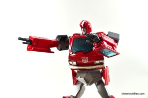 Transformers Masterpiece Ironhide figure review - spray fingers