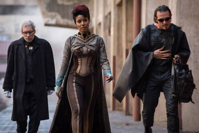 gotham-better-to-reign-in-hell-fish-mooney-and-her-minions
