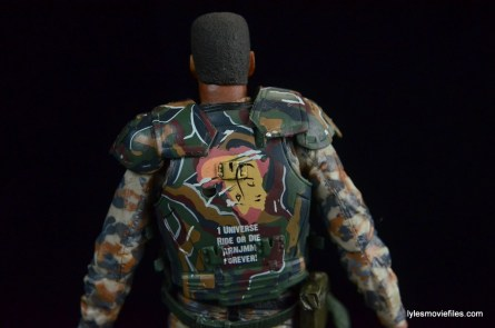 neca-aliens-series-9-frost-figure-review-rear-armor-detail