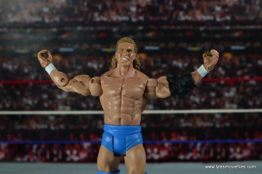 wwe-basic-sid-justice-arms-outstretched