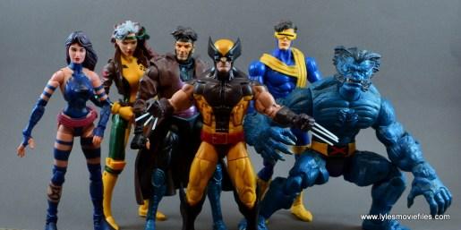 marvel-legends-wolverine-figure-review-psylocke-rogue-gambit-cyclops-and-beast