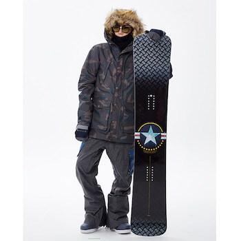 メンズのスノーボードウェアの選び方④:フード付き
