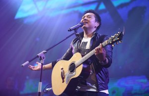 Indonesian Worship Leader Sidney Mohede Signs With Integrity Music
