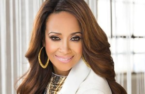 Dorinda Clark Cole Releases 5th Solo Album Living It