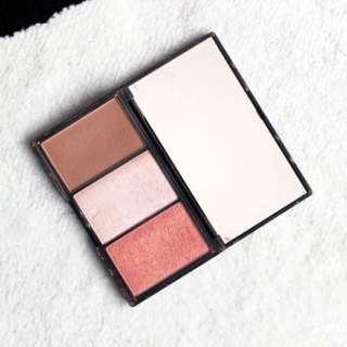 Dagelijks contouren met bronzer, blush & highlighter: Sleek Face Form & W7 The Cheek Trio