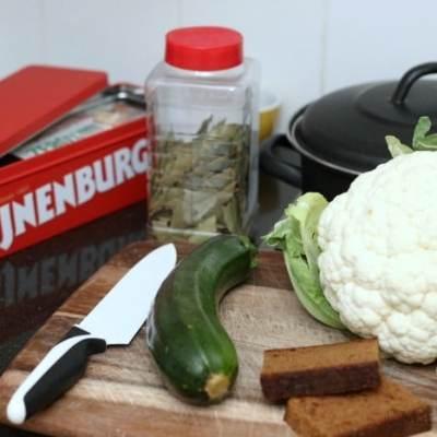 Recept: Stoofvlees met ontbijtkoek & perenstroop