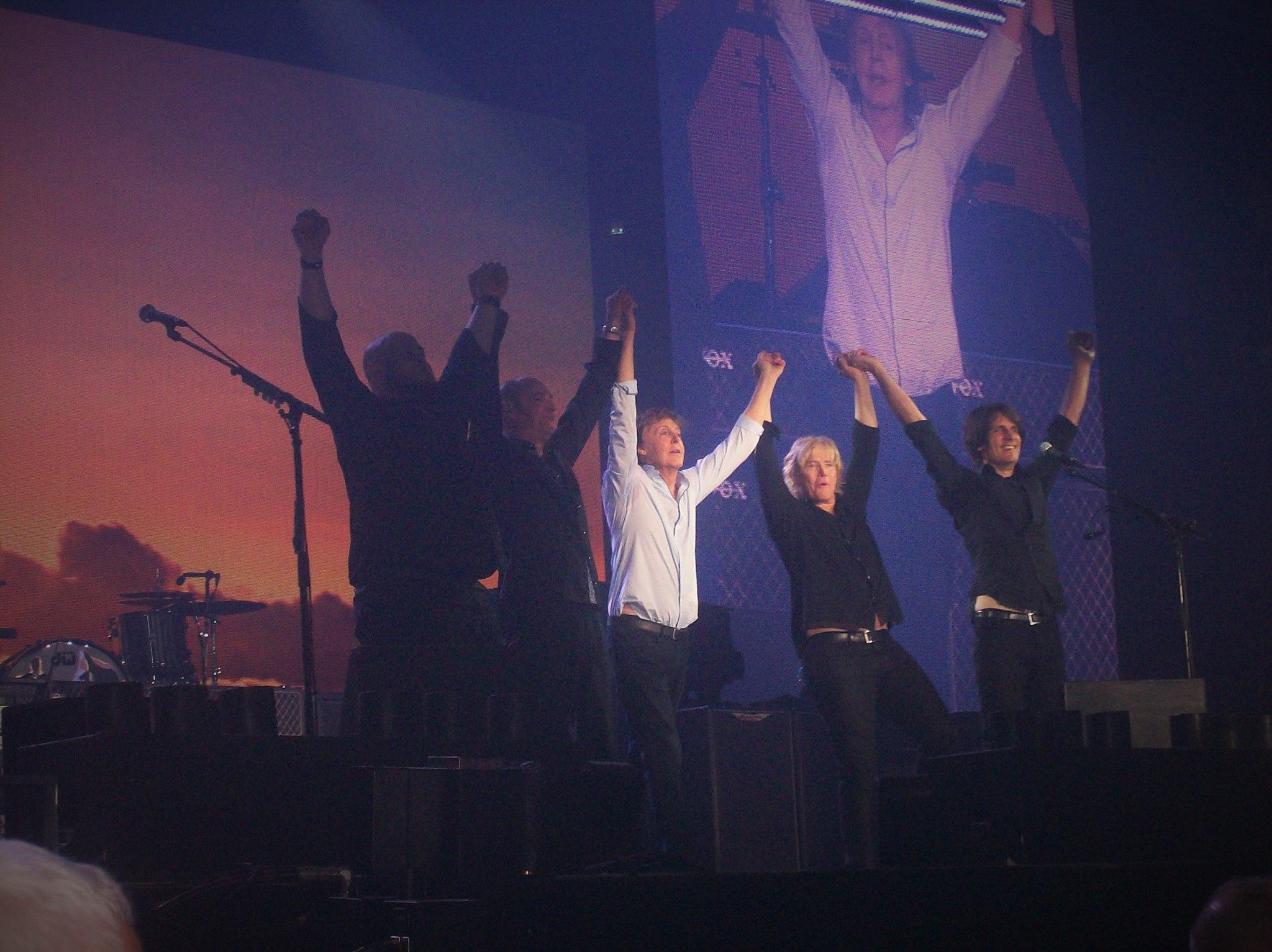 Paul McCartney - Salute