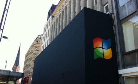 Hamburg Apple Store Windows Logo