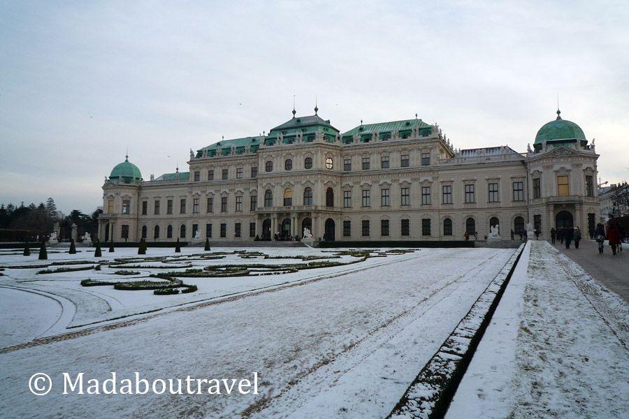 Palacio del Belvedere bajo la nieve