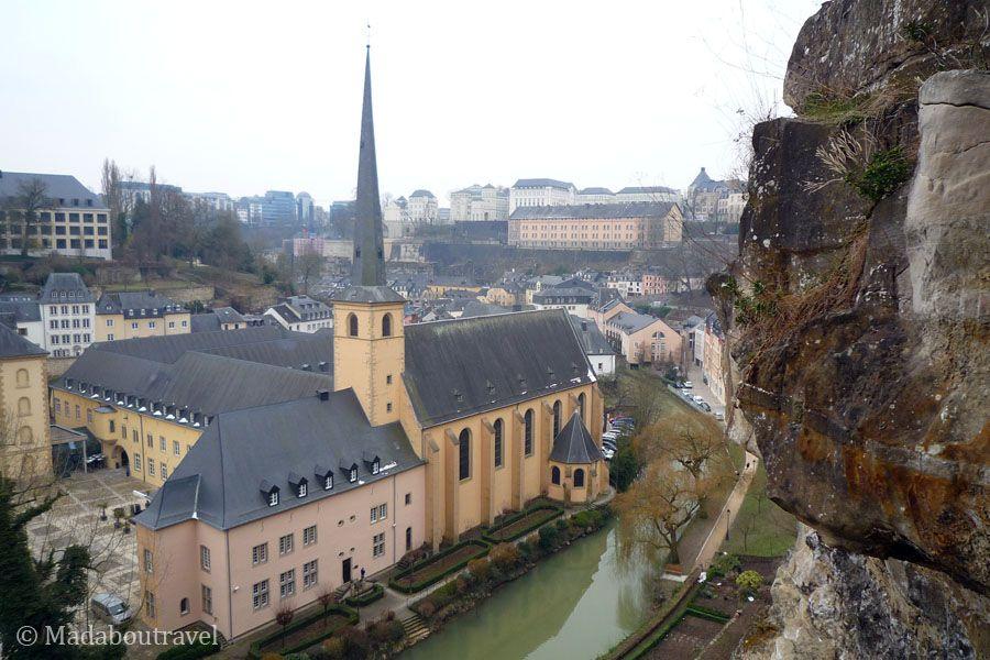 Vistas de la abadía de Neumünster, en la ciudad baja de Luxemburgo