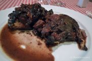 Pollo de pagès al vino del Priorat en el Hostal Sport Priorat