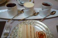A punto para disfrutar del afternoon tea del Hotel Palace
