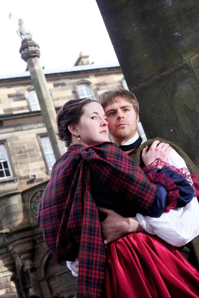 Gordon Jack/www.scotimage.com  01/04/15 - FAO Tom Maxwell - Outlander Tours - Royal Mile, Edinburgh