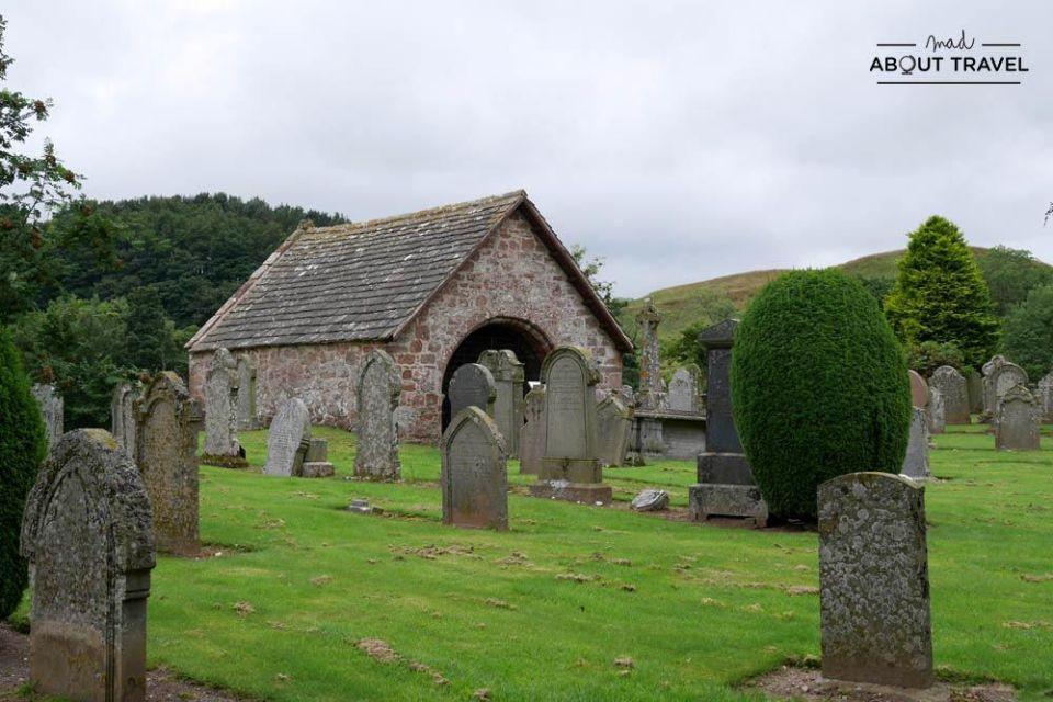 ruta en coche por escocia - Lindsay burial aisle en edzell