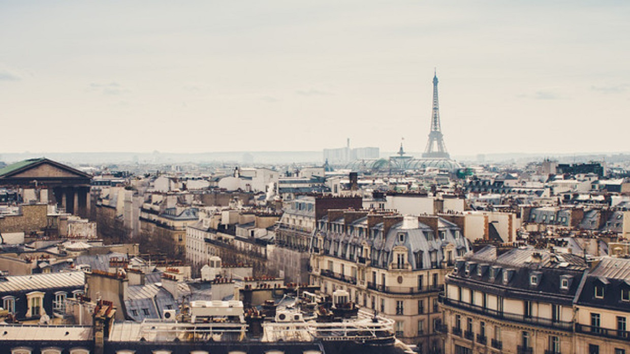 5 things to pack for a dreamy holiday in Paris