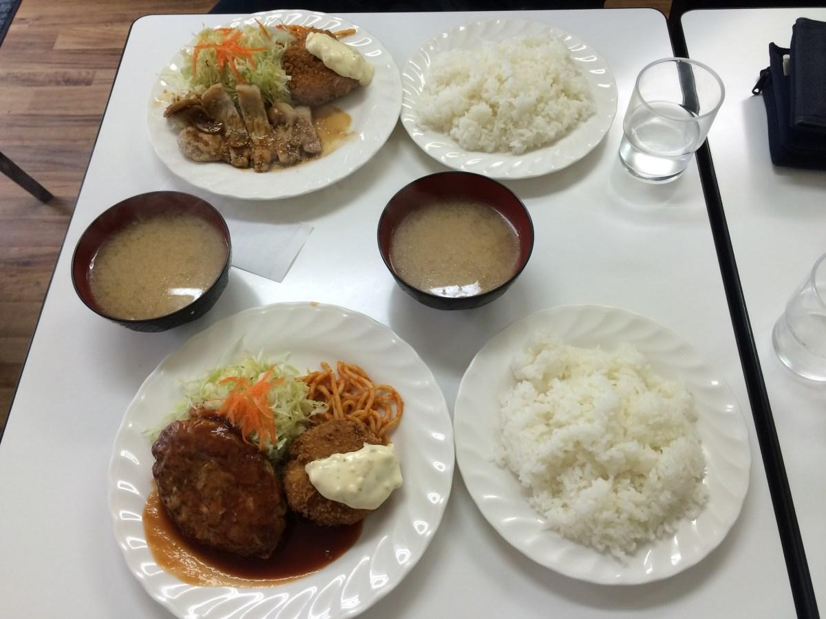 【錦糸町ランチ】そして、みそ汁は動いた!!ハンバーグ&洋食 ベア【ハンバーグとカレー、フライがメイン】