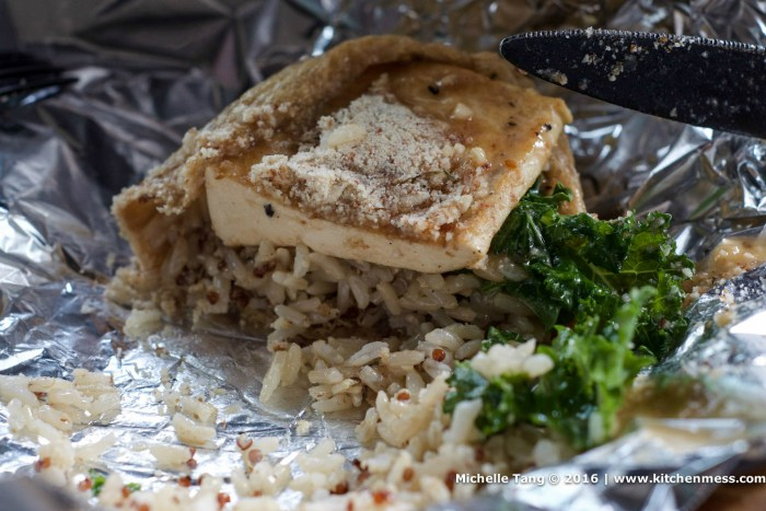 Tofu pocket – brown rice, quinoa, and kale leaves