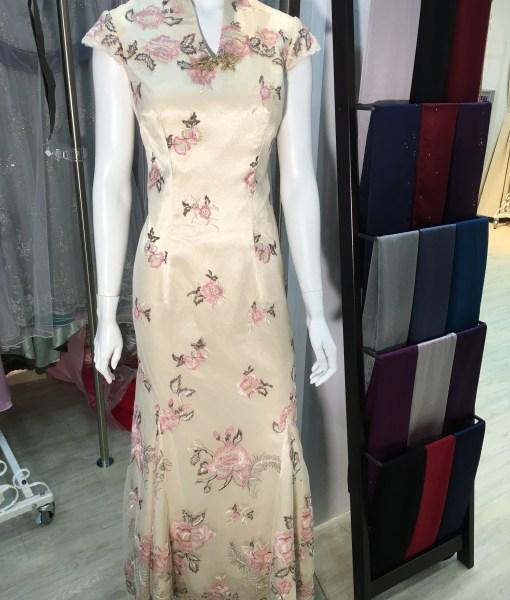 [媽媽禮服]MB-18高V領魚尾繡花改良式旗袍