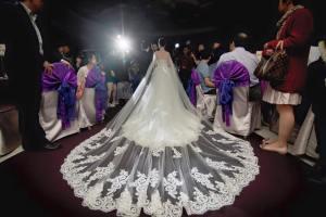 新娘造型,進場白紗,長頭紗,蕾絲,華麗,氣勢風格