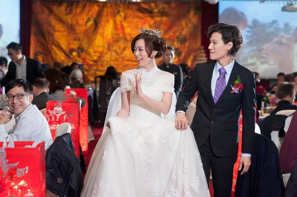 新娘白紗進場長頭紗 (37)