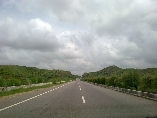 This splendid view was captured from my windscreen on NH-8 from Jaipur to Delhi few years ago.
