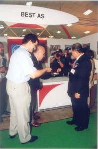 MALEZYA-temmuz2003-enerjifuarı-MalezyaBaşbakanıile