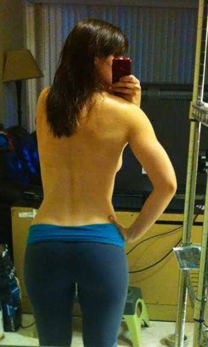 Slender girls in tight leggings (47 photos)