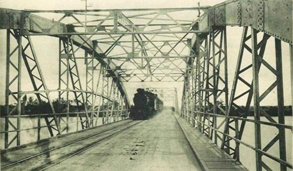 5-cầu bình lợi với xe lửa