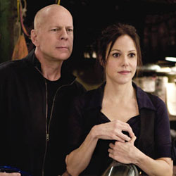 bruce-willis-mary-parker-red-picTHUMB