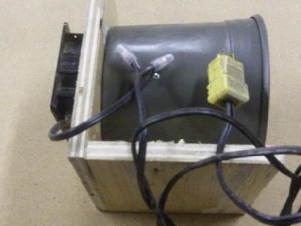 Non-Pesticide Patio Pest ControlDevice