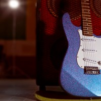 Paint a Glitter&nbsp;Guitar