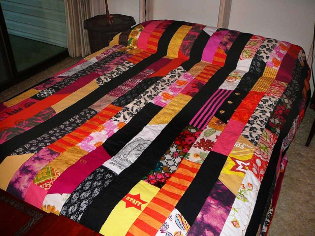 Patchwork Quilt from Clothing&nbsp;Scraps