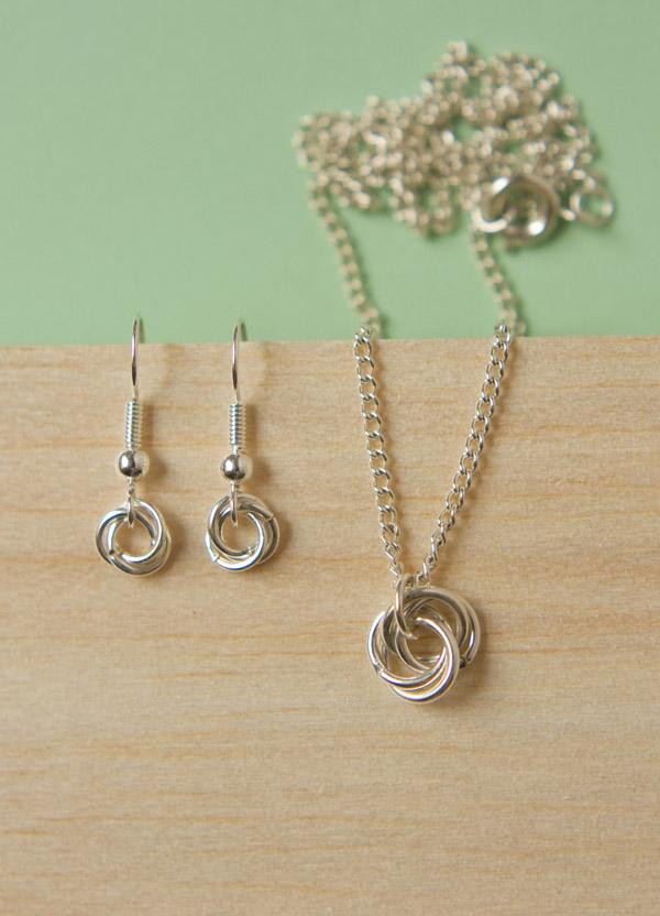 Möbius noeud bijoux diy-3