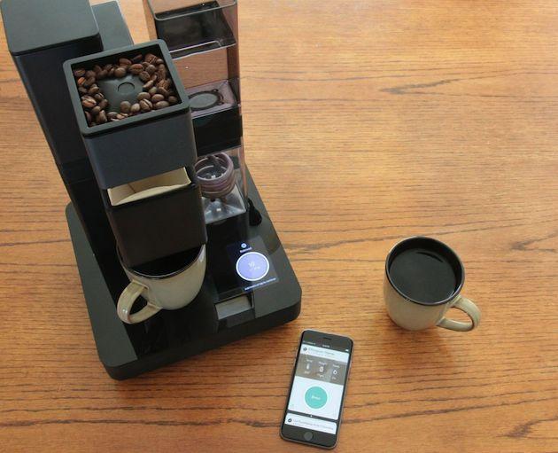 """BRUVELO LA """"SMART"""" MACCHINA DEL CAFFE' CHE SI CONNETTE AD IPHONE"""