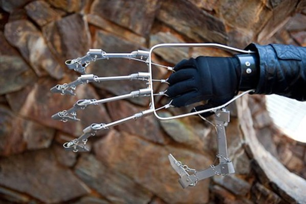 mechanical-hand-by-ivan-owen