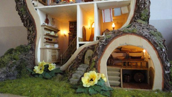 tree dollhouse-2