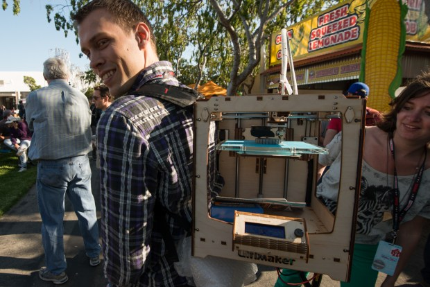 Ultimaker's backpack mounted 3D printer wowed the crowd as they waited in line for paella.