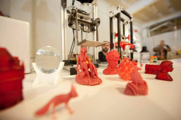 Joan Raventós Corral's stereolithography 3D printer-the Stalactite 3D--and some examples of what it can make.