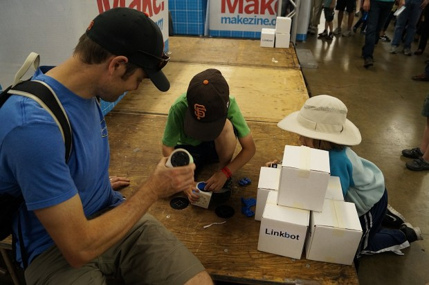 Linkbots at Maker Faire.