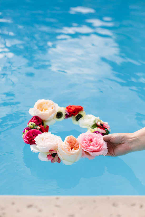 floating-flower-wreath-1