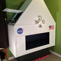 Kid's Room Spacecraft