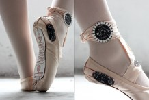 E-Traces: Ballet Slippers That Make Drawings From The Dancer's Movements