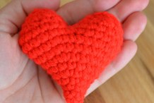 DIY Crocheted Plushie Heart