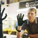 Video: Teenage NASA Employee Creates Mind-Control Bionic Arm