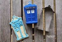 Geek in the Kitchen: DIY TARDIS Cookie Cutter