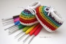 Handmade Baby: Crocheted Rainbow Baby Booties