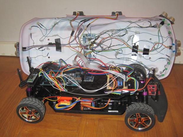 La mayor parte de las piezas utilizadas deben ser familiar para los fans de Arduino