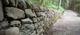 Build a Mortarless Stone Retaining Wall