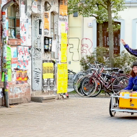 Axel built the cargo bike himself using a Danish design.